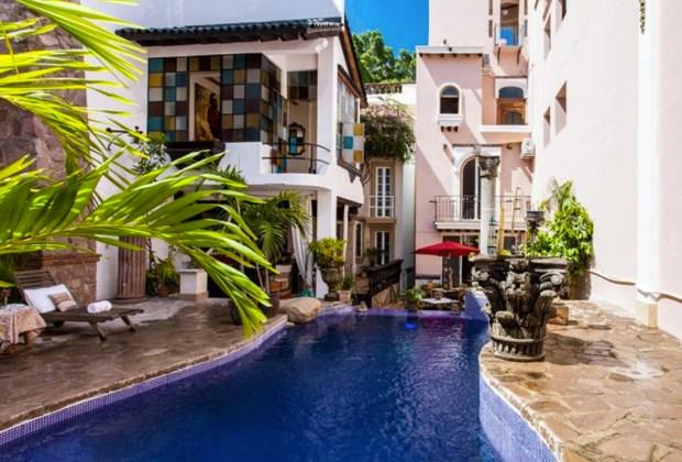 5 hoteles boutique en Puerto Vallarta y Riviera Nayarit para una vacación inolvidable - garlands-del-rio-puerto-vallarta-1024x694