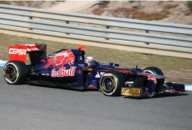 Los pilotos que estarán presentes en las escuderías de la F1 en el 2017 - toro-rosso-1024x694