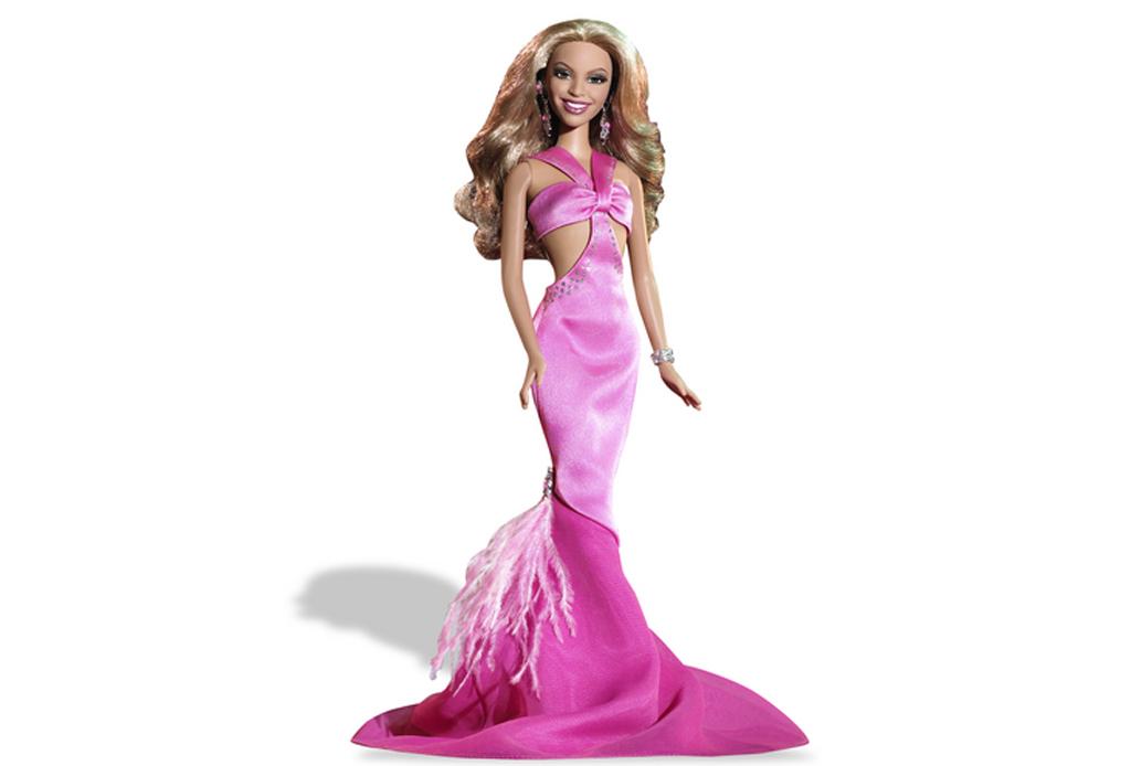 Celebridades que fueron convertidas a muñecas Barbie - beyonce