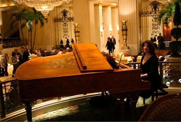 El hotel Waldorf Astoria de Nueva York cierra sus puertas - waldorf-astoria-lobby-1024x694