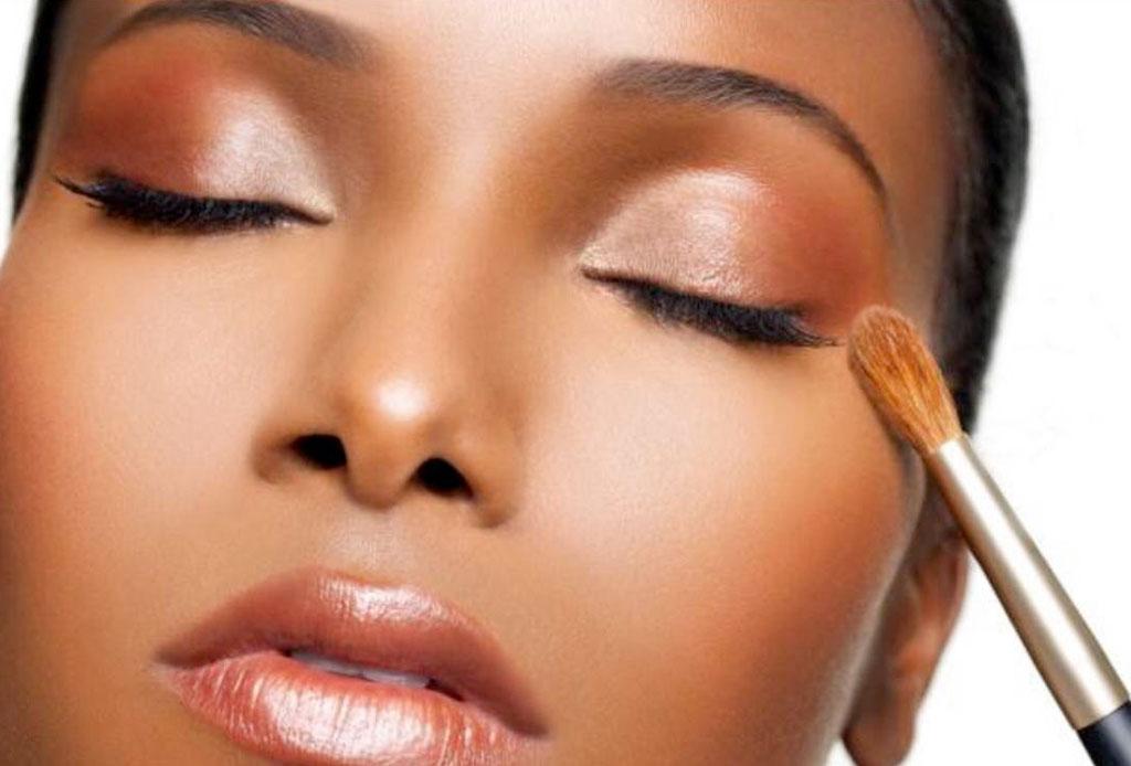 La tienda en línea con productos de belleza exclusivamente para mujeres de piel oscura - maquillaje-2