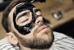 Las mascarillas que todo hombre debe aplicar en su rostro