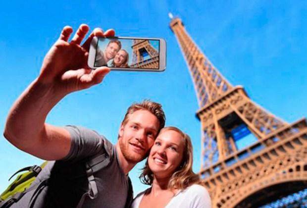 ¿Viajas pronto? Sigue estos consejos para compartir tu experiencia en redes sociales - selfie-1024x694