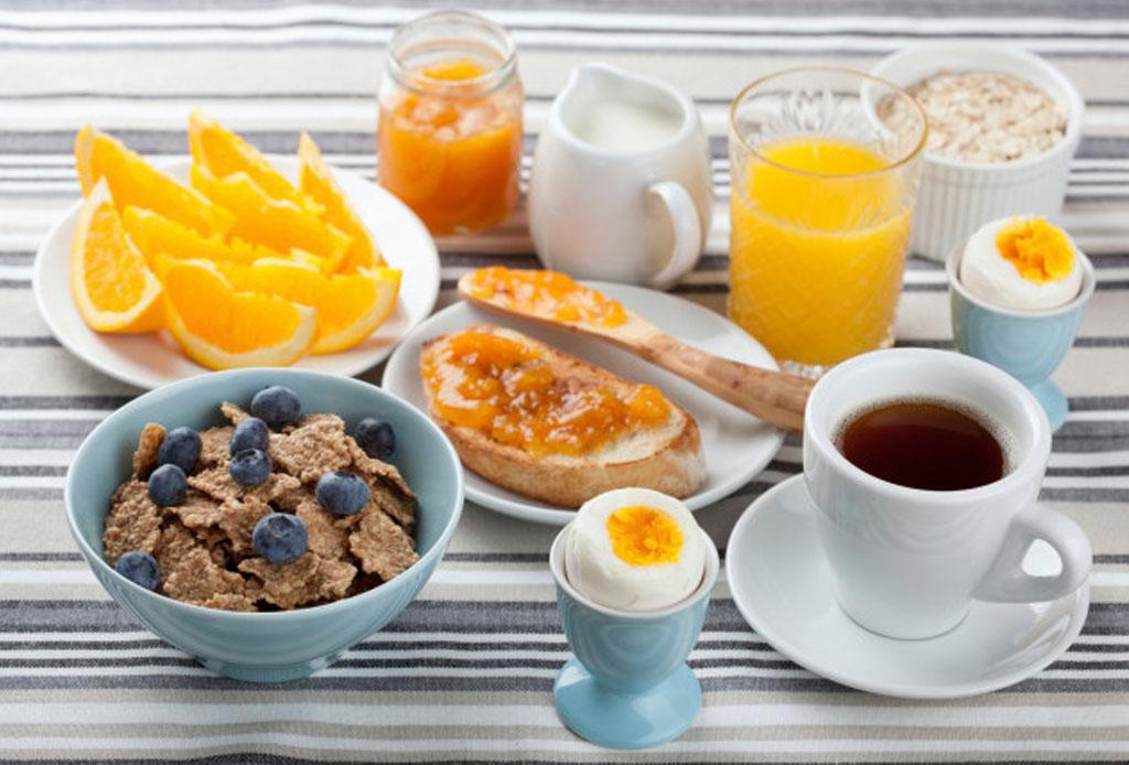 5 maneras de hacer tu café más sano - ejercicio-desayuno