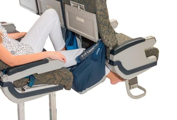 La hamaca perfecta para tus hijos en un avión - pies-1024x694