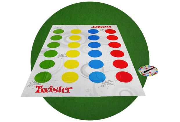 7 juegos de habilidad perfectos para un rato entre amigos - twister-1024x694