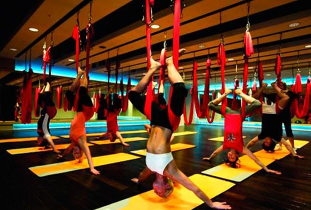 AntiGravity Yoga: la rutina fitness de un astronauta - yoga-1-1024x694