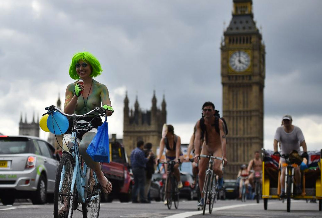 ¡El World Naked Bike Ride ha tomado las ciudades! - bike-tour-3