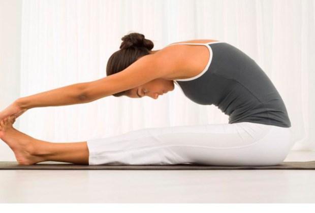 Ejercicios que debes hacer todos los días sin importar la edad que tengas - elasticidad-1024x694