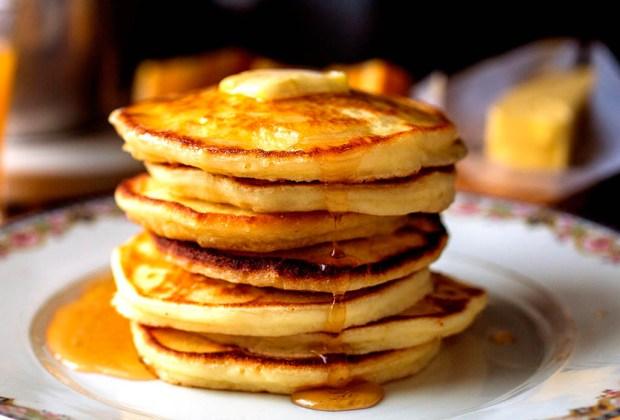 Esto es lo que Taylor Swift come en un día - pancakes-1024x694