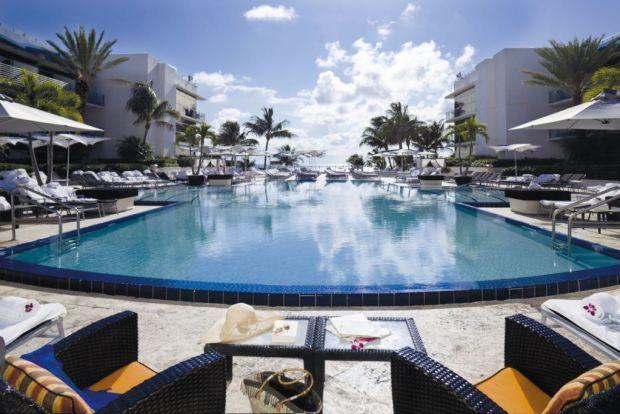 ¿Tienes un viaje planeado a Miami? Estos son los hoteles donde DEBES hospedarte - ritz-1024x683