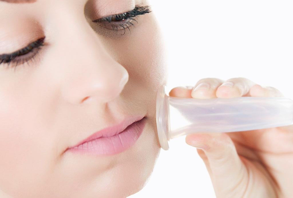 ¿Probarías la técnica de cupping en tu rostro? - cupping-facial-2