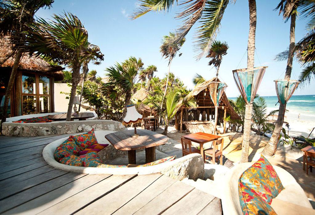 Lugares donde vacacionan los famosos en México - papaya-playa