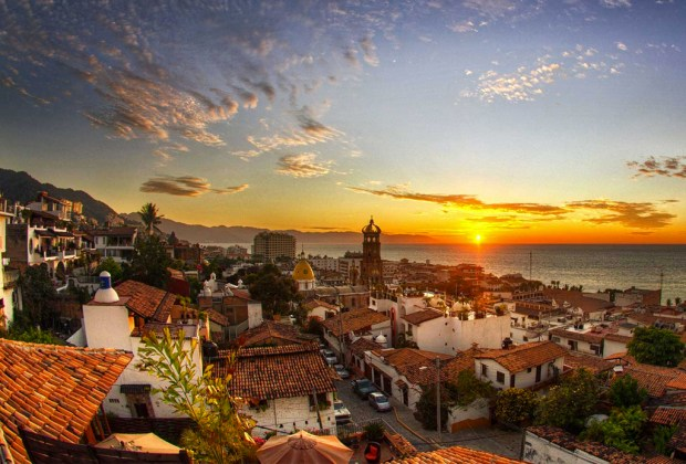 Destinos perfectos en México para ir en plan de fiesta - puerto-vallarta-1024x694