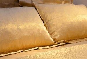 Dormir en sábanas de oro de 24k ahora será posible