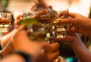 Canciones que te harán querer tomar un tequila