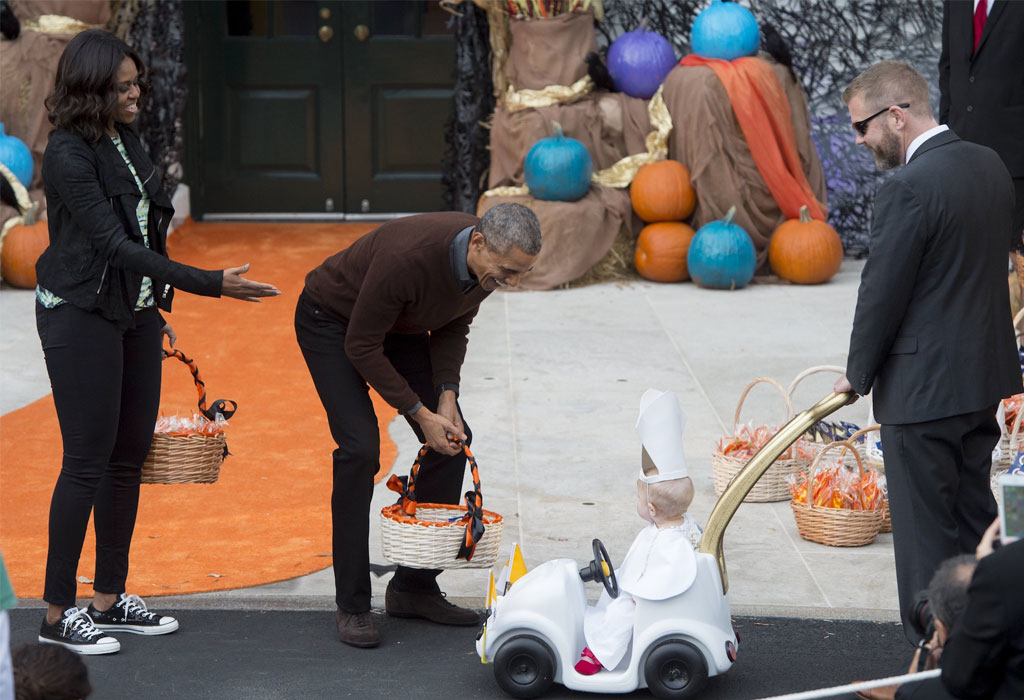6 razones por las que amamos (y extrañamos) a Barack Obama - obama-halloween