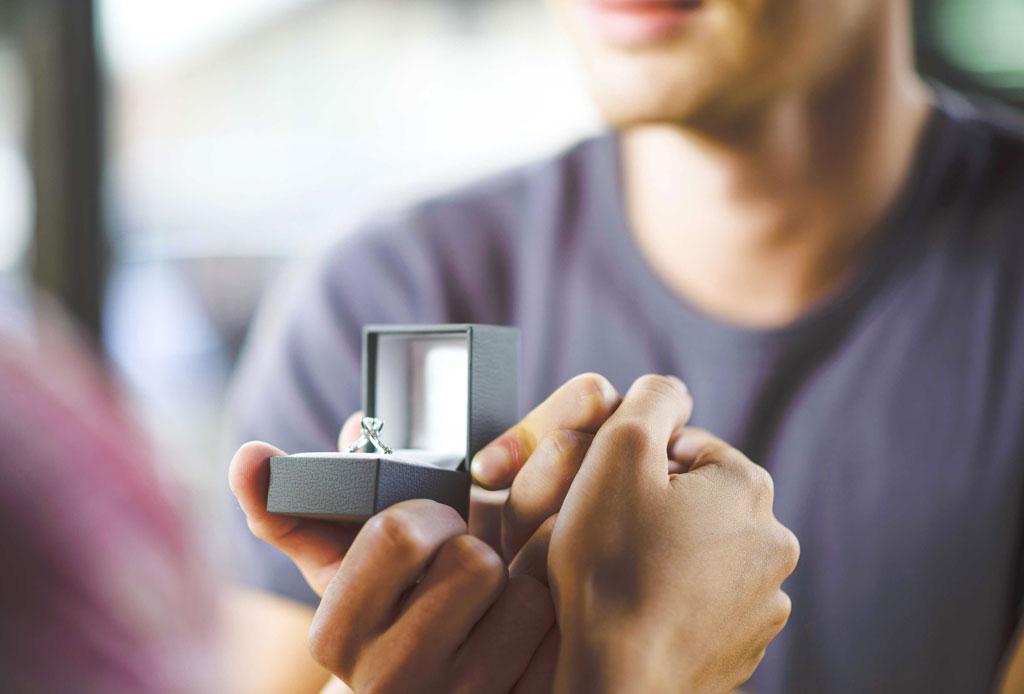 ¿Qué hacer con tu anillo de compromiso si ya NO estás comprometido/a o casado/a? - anillo-9