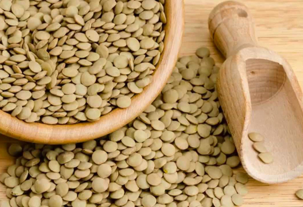 Los 6 mejores granos y legumbres que deben tener en la alacena - lentejas-1024x700