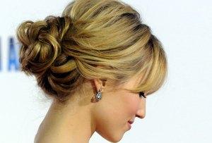 El secreto para mantener tu peinado de fiesta en su lugar
