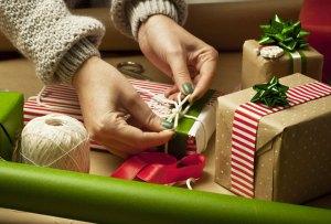 DIY: Aprende a envolver un regalo como todo un experto