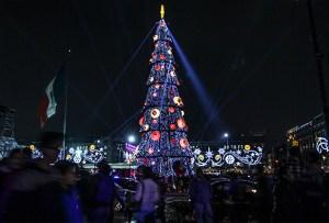 Espectáculo de luces navideñas en el Zócalo
