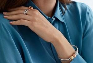 5 piezas de joyería para regalarle a mujeres empoderadas