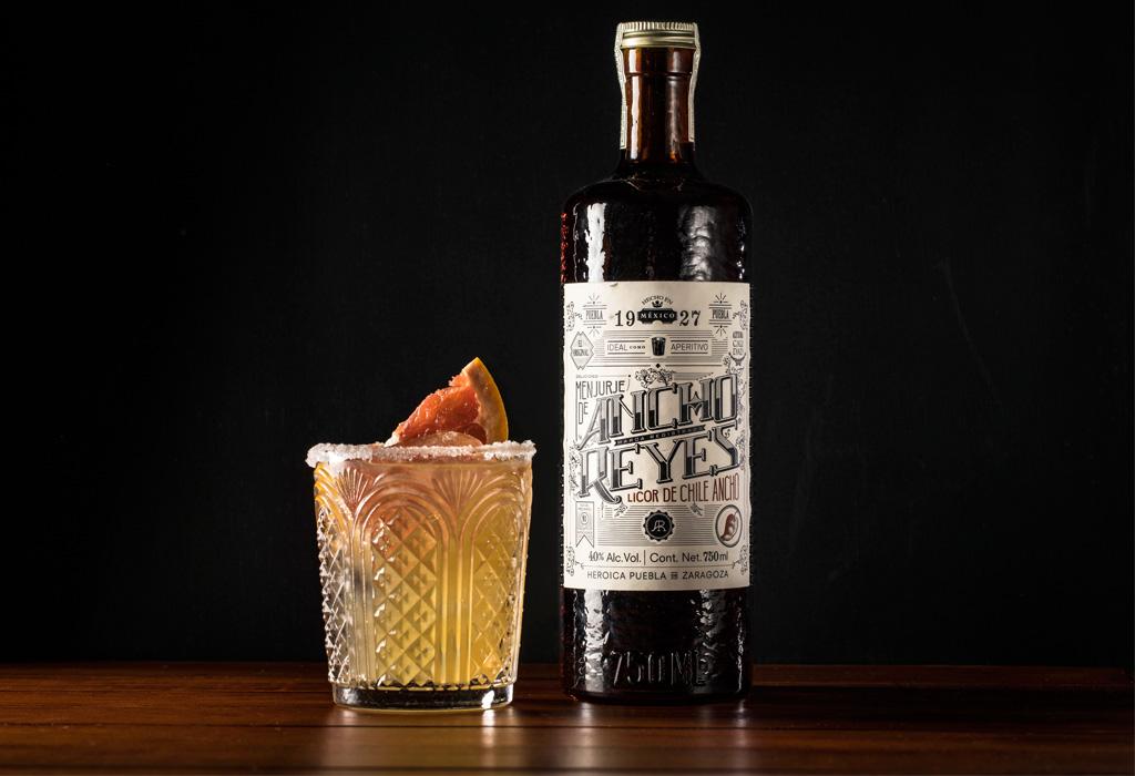 ¿No has probado el Ancho Reyes? ¡Prepara este drink!