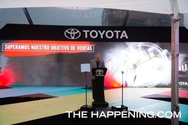 Toyota le da la bienvenida a dos innovadores modelos: PriusC y C-HR - aspecto_03