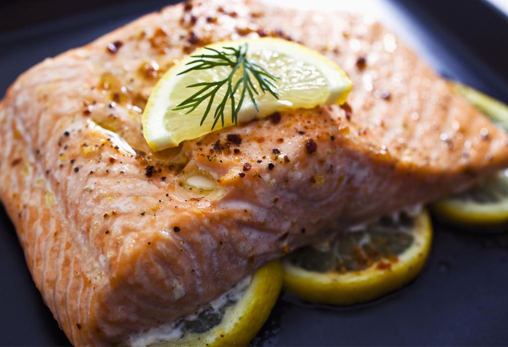 Estos son los mejores alimentos para la salud de tu cerebro - salmon-1024x700