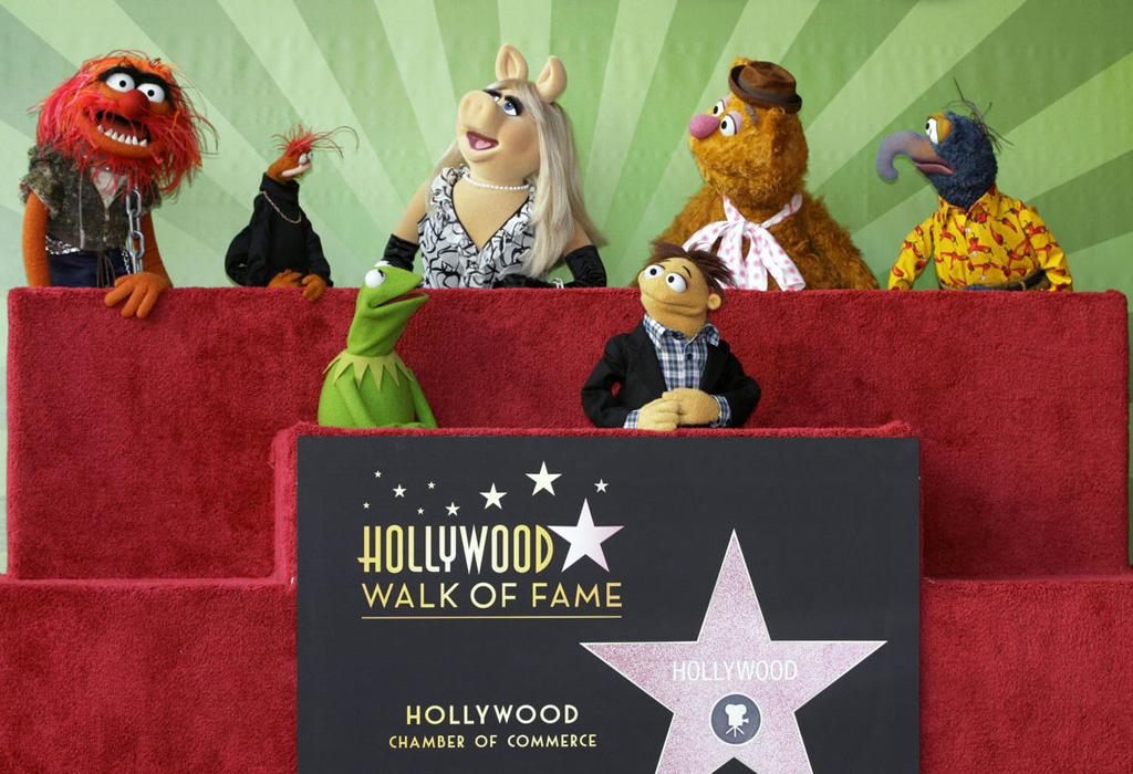 Personajes de Disney que tienen una estrella en el Paseo de la Fama - star1
