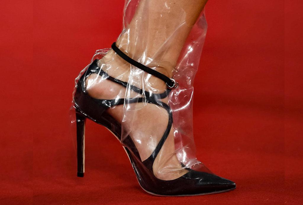 ¡Considera estos detalles antes de usar unos zapatos de plástico transparentes! - zapatos-plastico-5