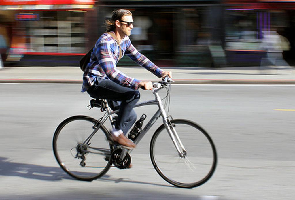 ¿Vas a tu trabajo en bicicleta? ¡Escucha esta playlist!