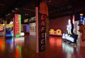El museo de arte neón es una parada obligada en tu próxima visita a Los Ángeles