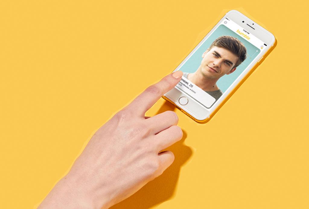 Obligaswiping: el término que describe por qué sigues soltero en la era digital