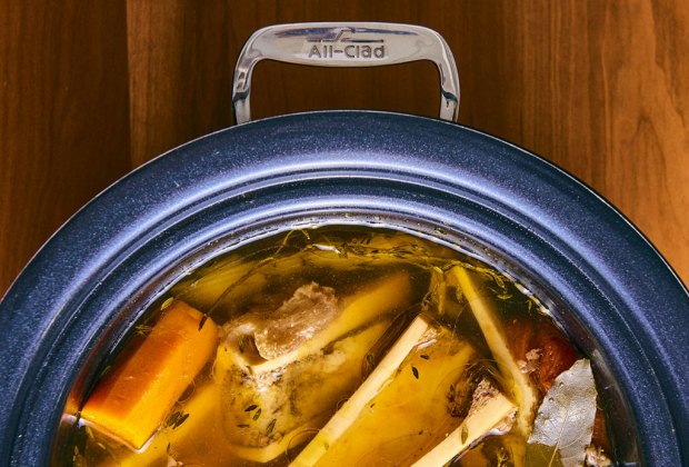 Bone broth: el ingrediente que jamás imaginaste como tendencia en la coctelería - bone-broth-cocteleria-tendencia-3