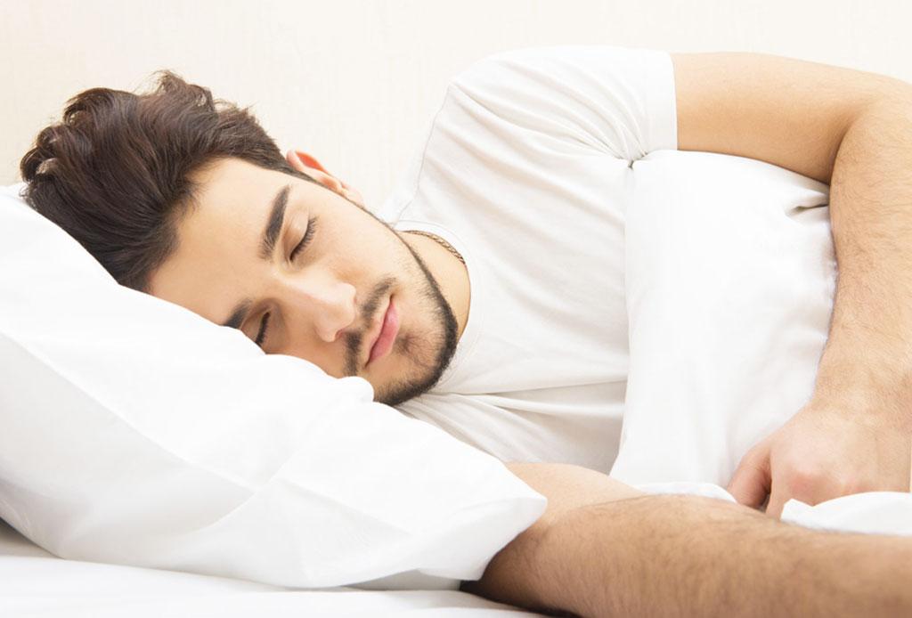 7 pasos para calmar una mente ansiosa - dormir-causa-arrugas-3-1024x694