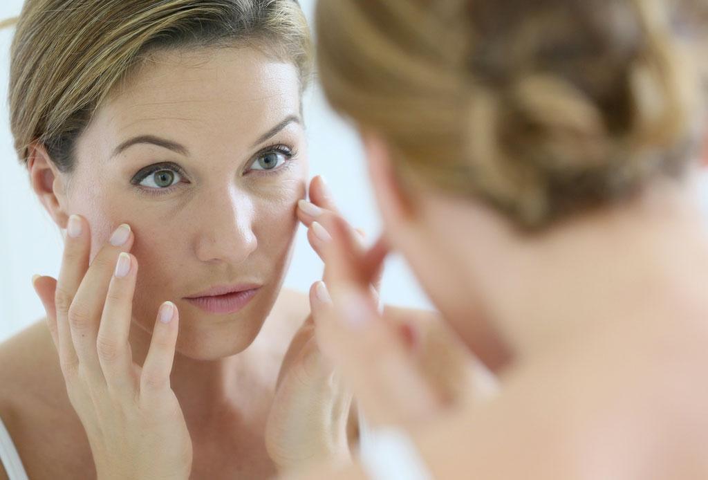 ¡Dormir de lado o boca abajo puede causar arrugas en tu rostro! - dormir-causa-arrugas-4