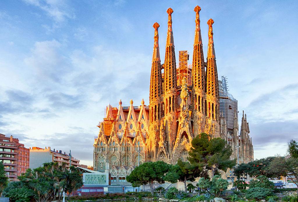 La playlist que debes llevar contigo al pasear por Barcelona