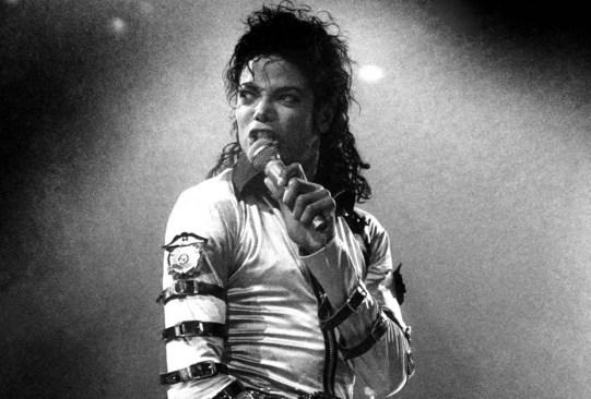 Hicimos una playlist IMPERDIBLE para recordar al Rey del Pop, Michael Jackson - michael-jackson-300x203