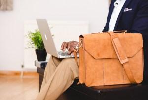 7 portafolios/bolsas para lucir increíble en tu día