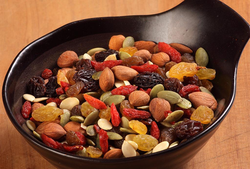 Deliciosas opciones de snacks saludables que no te harán sentir en una dieta - snacksaludables6