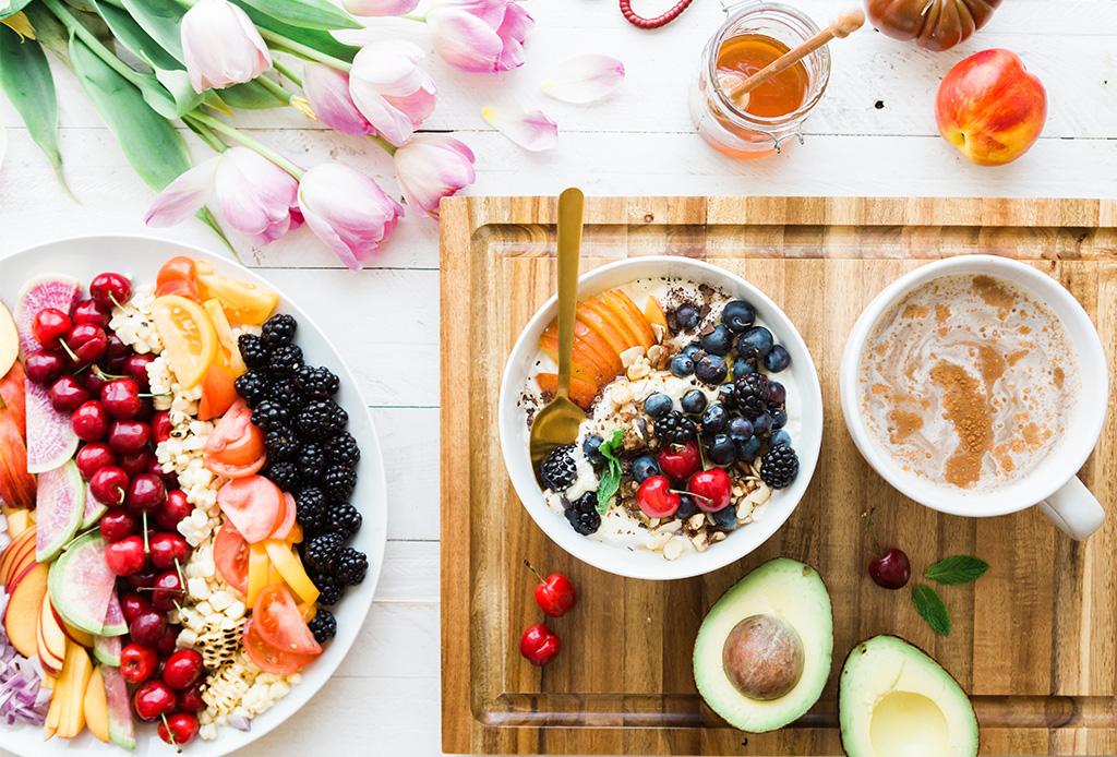 Deliciosas opciones de snacks saludables que no te harán sentir en una dieta