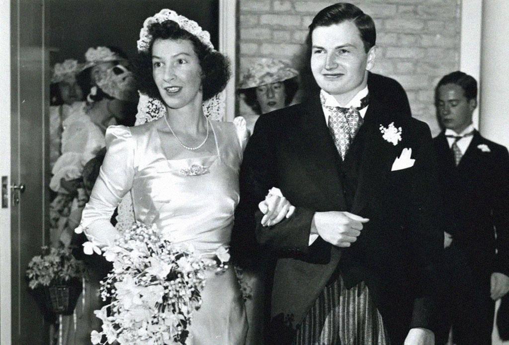Descubre la romántica historia del anillo de compromiso que David Rockefeller le dió a Peggy McGrath en los 40s - anillo-compromiso-rockefellers-3