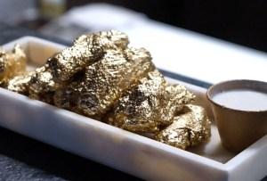 En este lugar podrás disfrutar de unas alitas de pollo ¡bañadas en oro de 24 K!