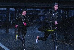 Running Monday: Nuestras chamarras favoritas para correr aún con lluvia
