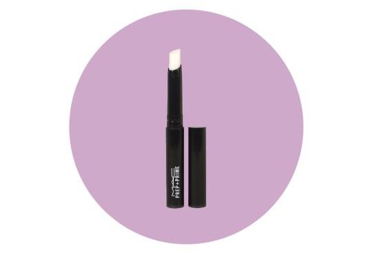 Sigue esta rutina para el cuidado de tus labios - rutina-cuidado-labios-4-300x203