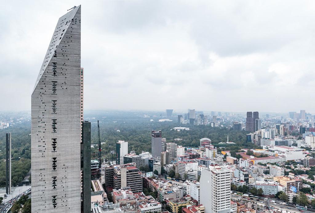 Torre Reforma, uno de los rascacielos más influyentes de los últimos 50 años - torreforma1-1024x694