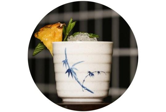 ¡Atención amantes del sake! Hicimos una selección de los drinks más originales hechos con este destilado en la CDMX - cocteles-sake-cdmx-4-300x203