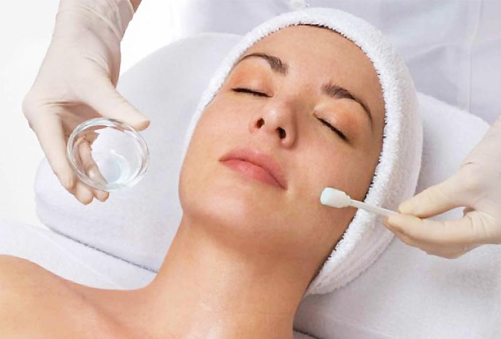 Esto es lo que le pasa a tu piel cuando te haces exfoliaciones químicas - exfoliacion1